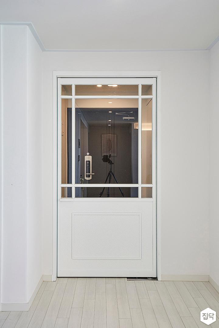 화이트,모던,현관,여닫이문,중문
