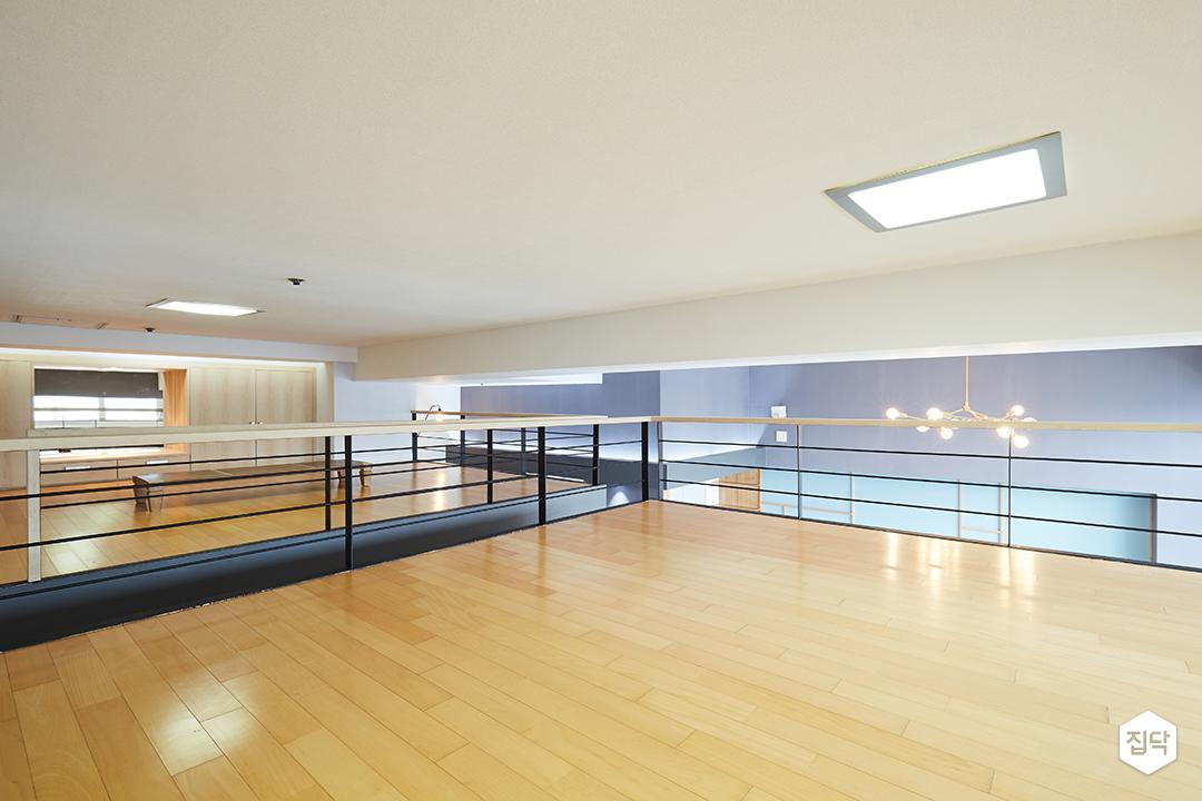 강마루,난간,LED조명,그레이,복층