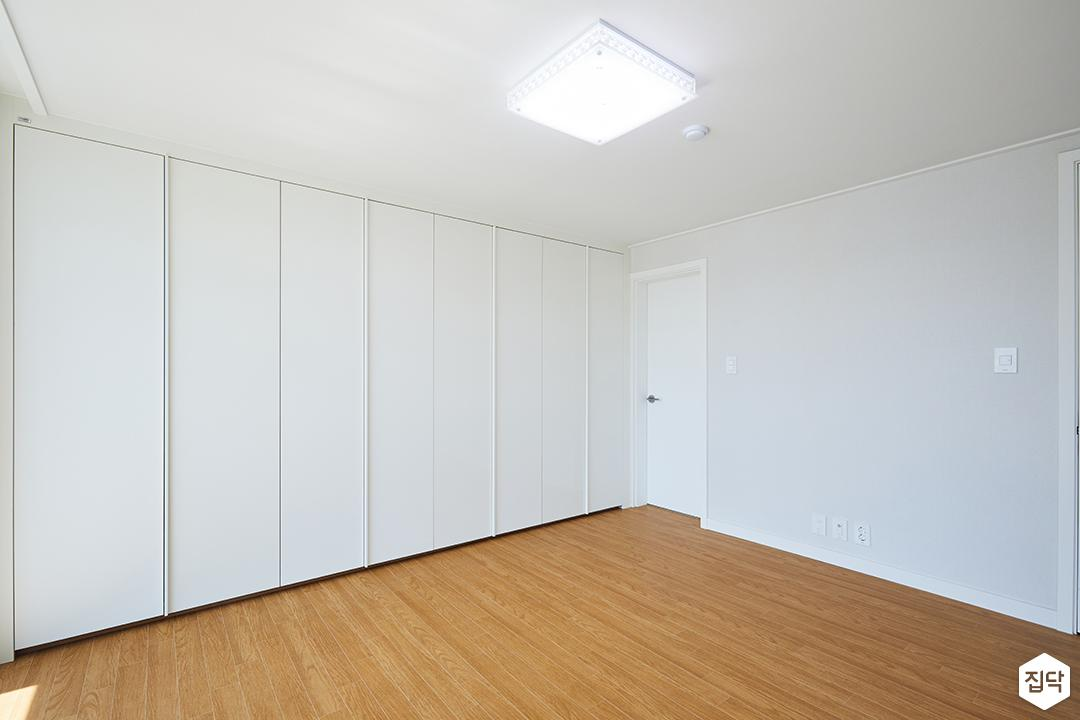LED조명,화이트,방,슬라이딩붙박이장,모던