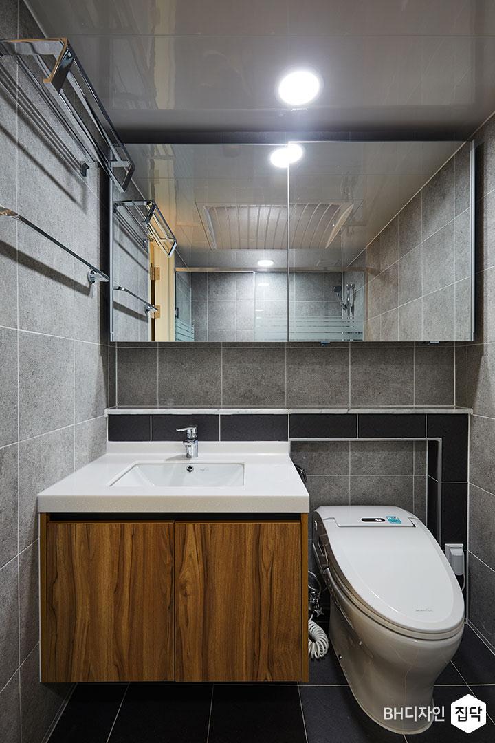 욕실,그레이,다운라이트조명,젠다이,슬라이딩거울장