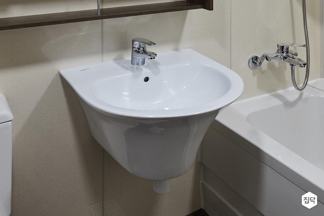 욕실,화장실,세면대,반다리세면대,벽배수