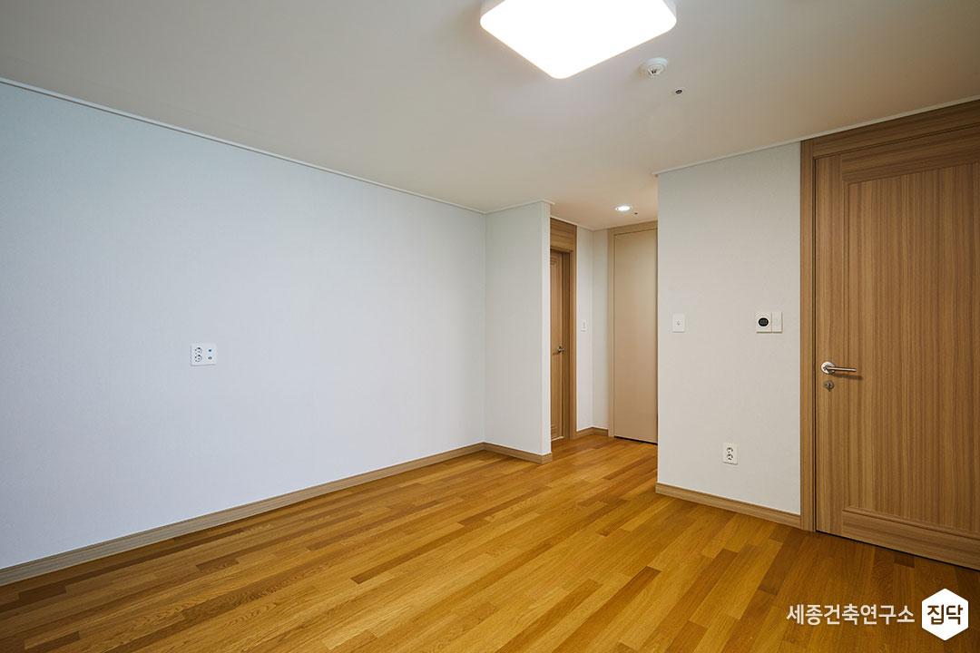 안방,바닥,LED,에어컨,화이트