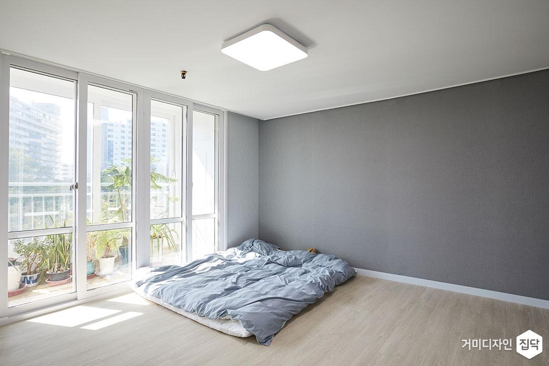 침실,미니멀,그레이,LED조명,슬라이딩도어,PVC륨