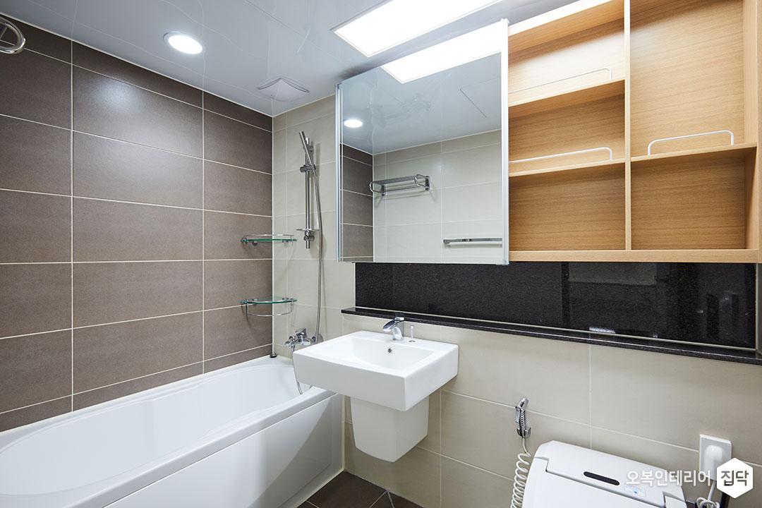욕조,욕실,화장실,슬라이딩장,반다리세면대