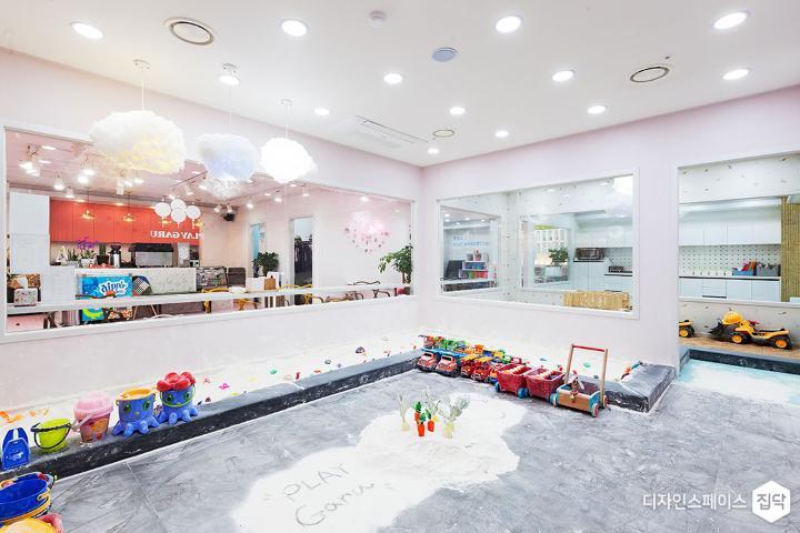 놀이방,심플,핑크,매입등,포인트조명