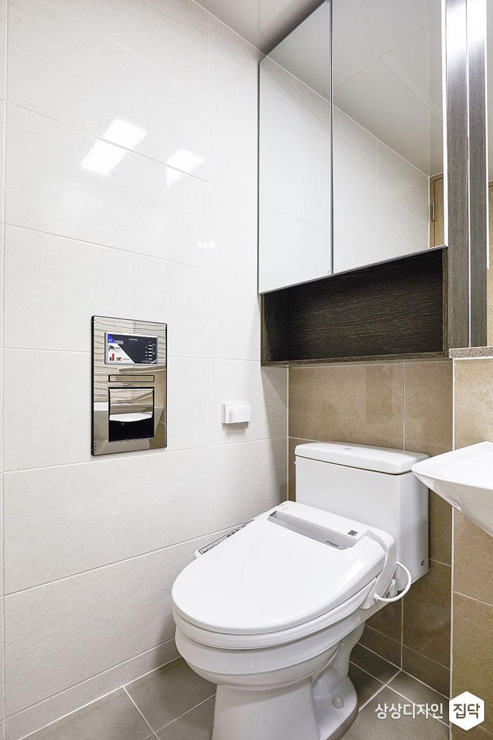 안방욕실,아이보리,모던,거울장,양변기,선반
