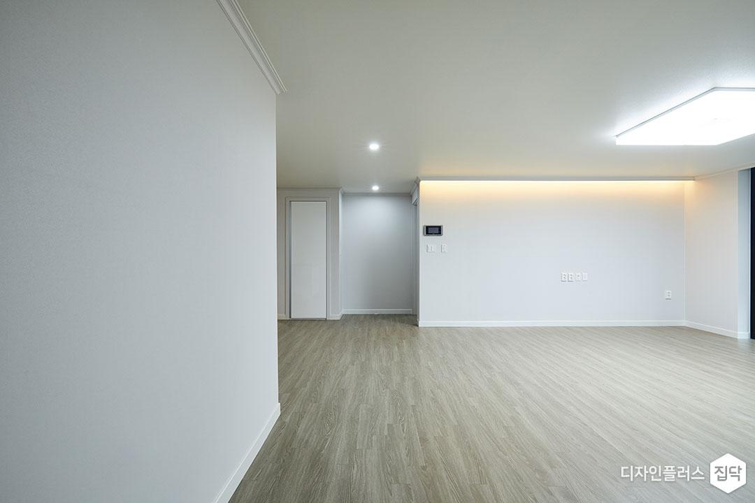 거실,그레이,심플,LED조명,간접조명,다운라이트조명