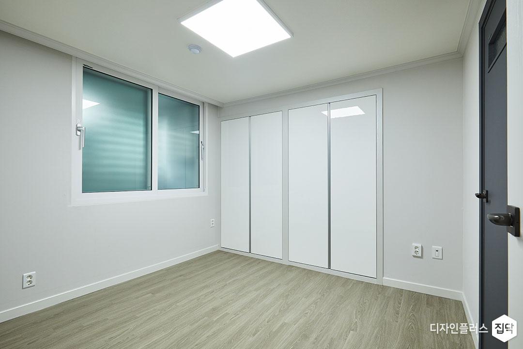 큰방,그레이,모던,LED조명,붙박이장