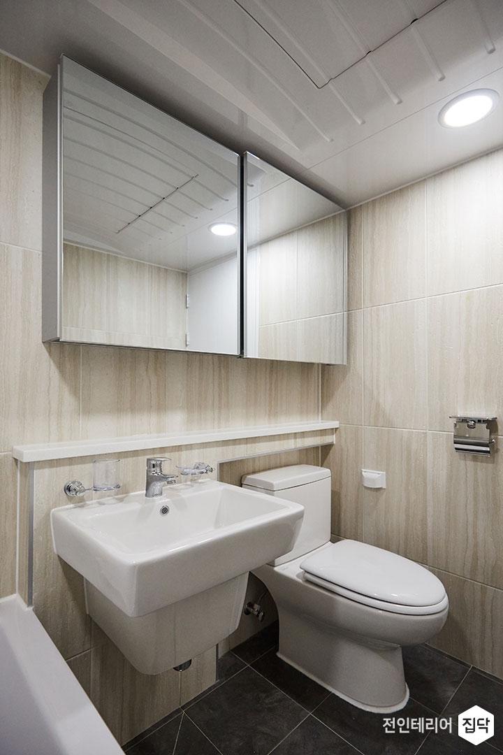 욕실,베이지,모던,슬라이딩거울장,젠다이,세면대,양변기