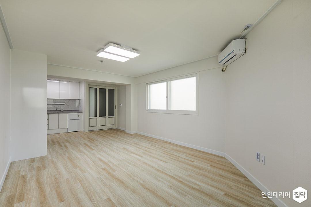거실,화이트,심플,장판,LED조명