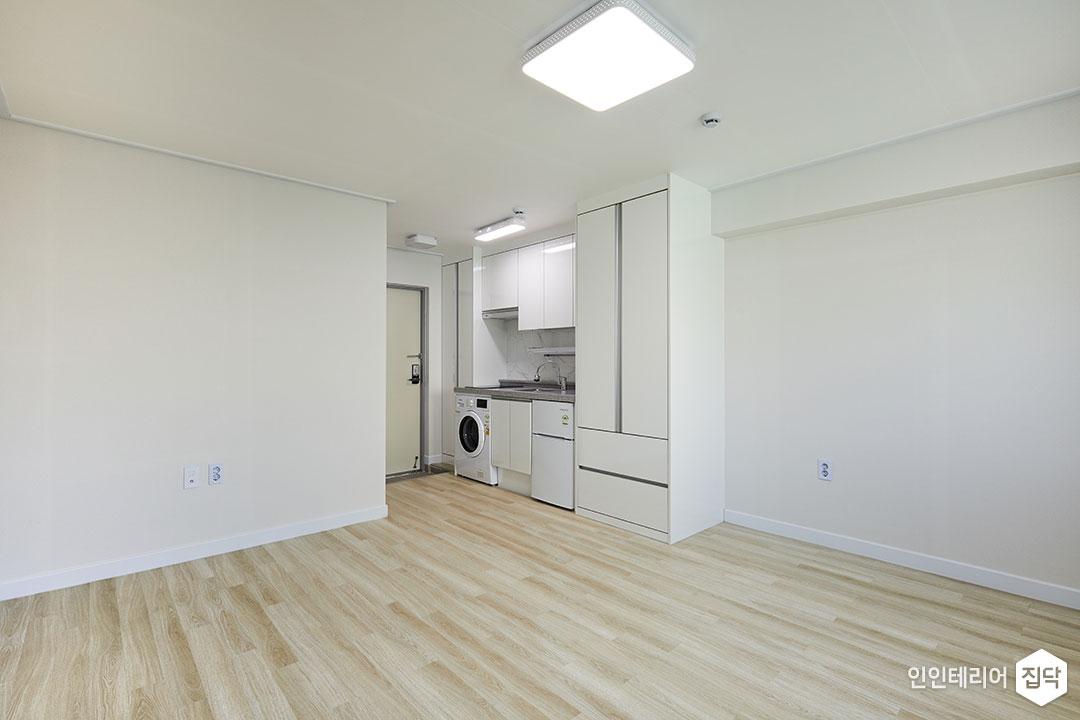 원룸,화이트,심플,LED조명,수납장,세탁기,주방,현관문