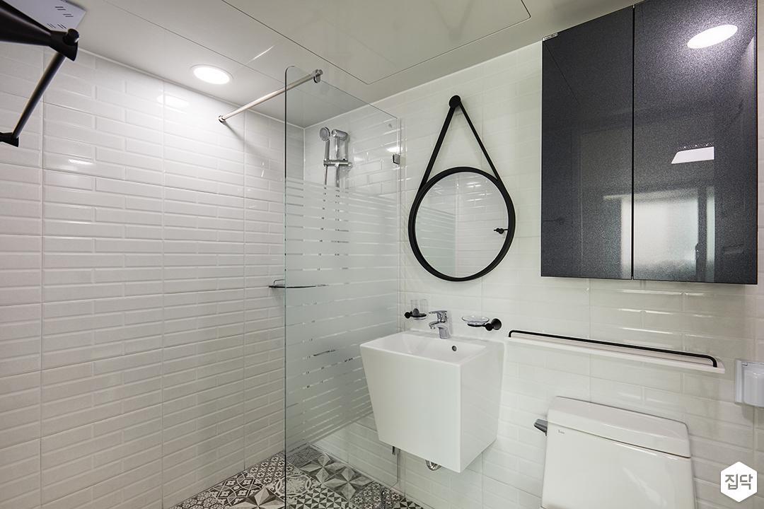 욕실,화이트,북유럽패턴,유리파티션,세면대