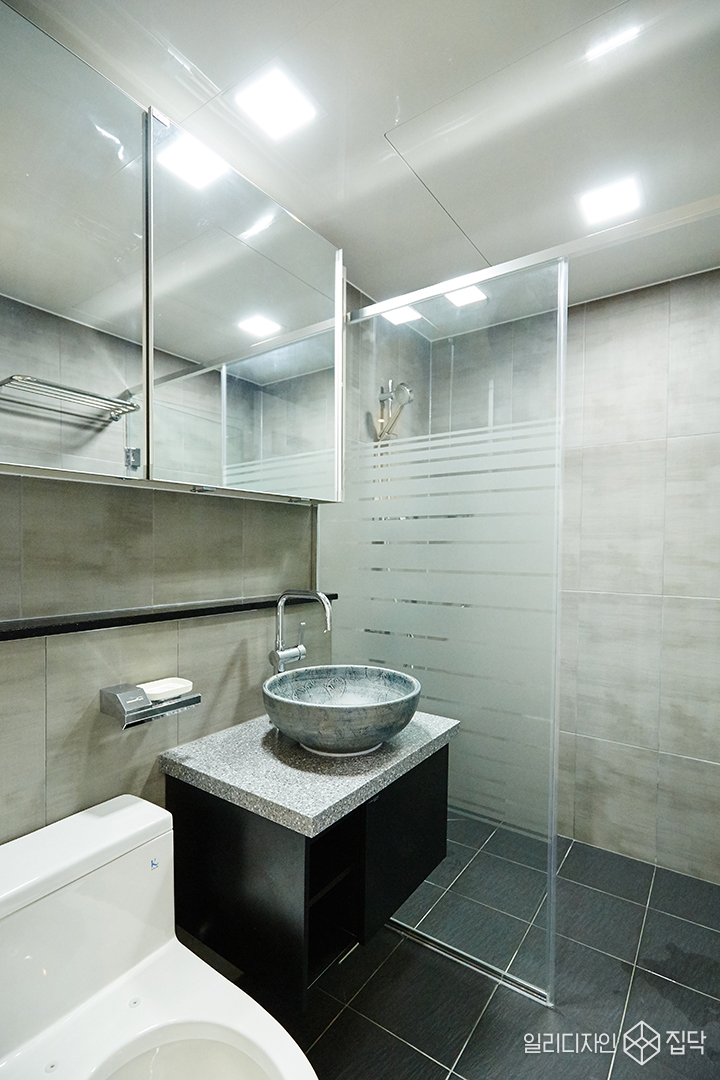 안방욕실,욕실,그레이,타일,볼세면대,포인트
