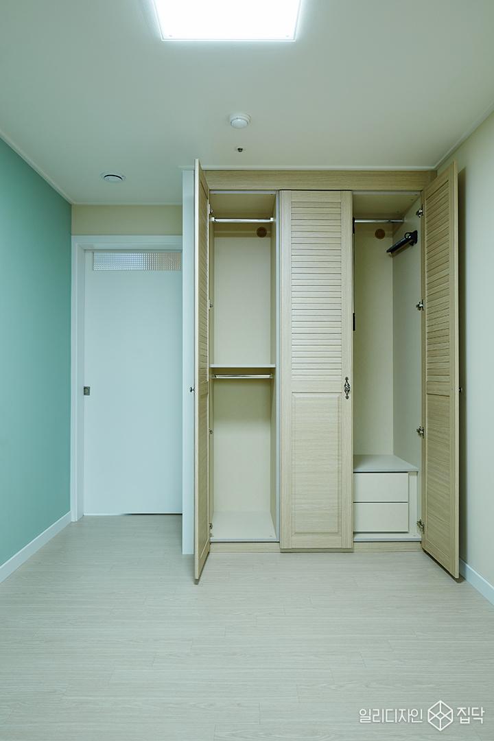 청록색,심플,방,붙박이장,우드