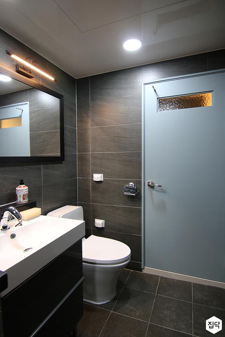 욕실,세면대,다크그레이,마블패턴,다운라이트조명