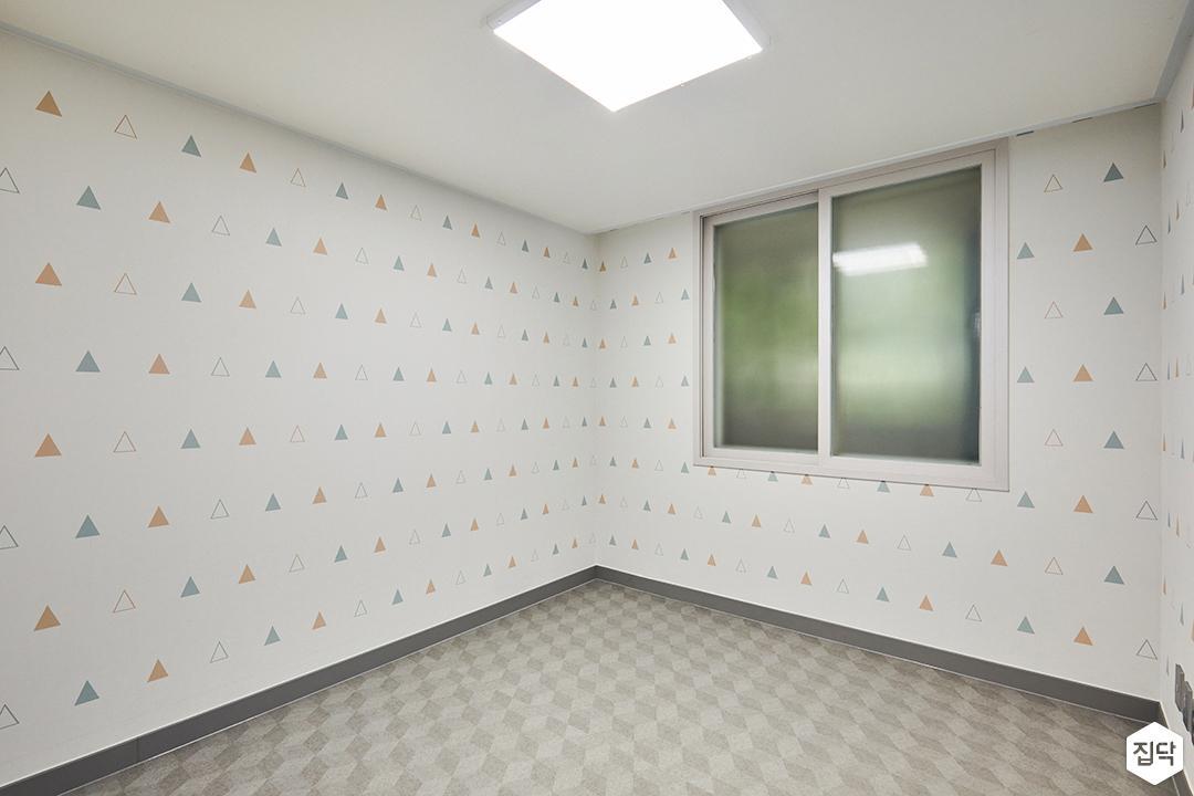아이방,그레이,심플,포인트벽지,led조명,디자인장판