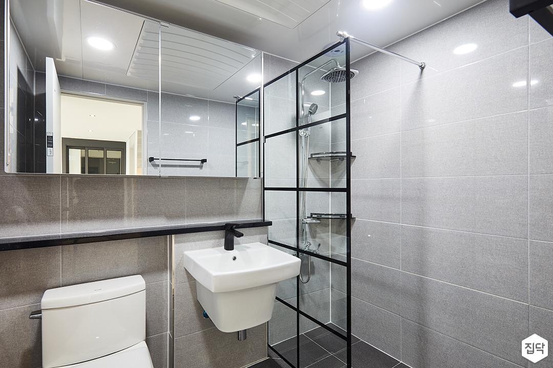 욕실,그레이,모던,젠다이,세면대,슬라이딩거울장,유리파티션,해바라기샤워기,마블패턴