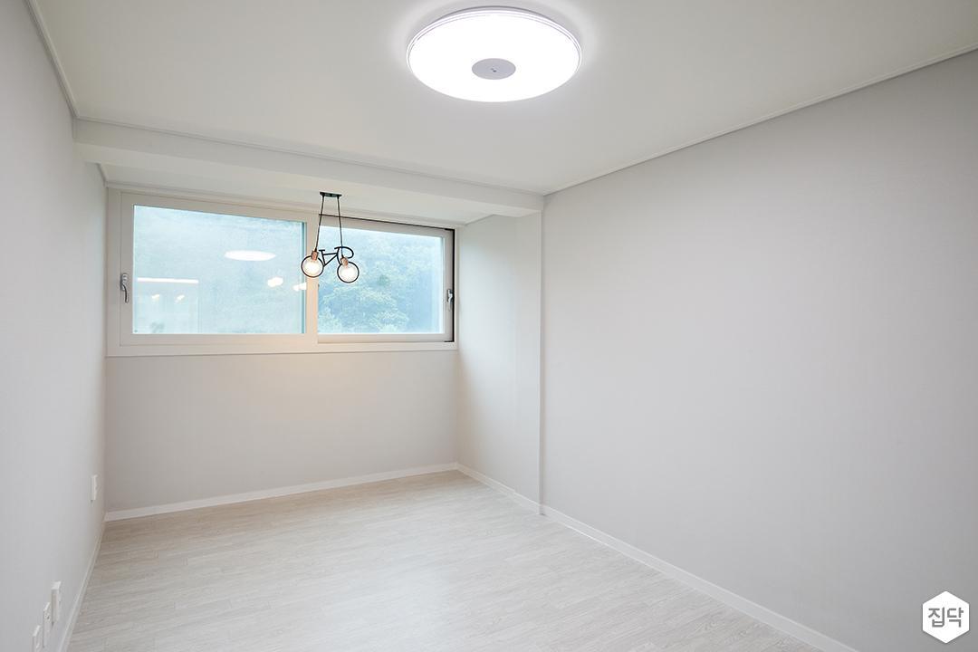 방,그레이,LED조명,심플,디자인장판,펜던트조명