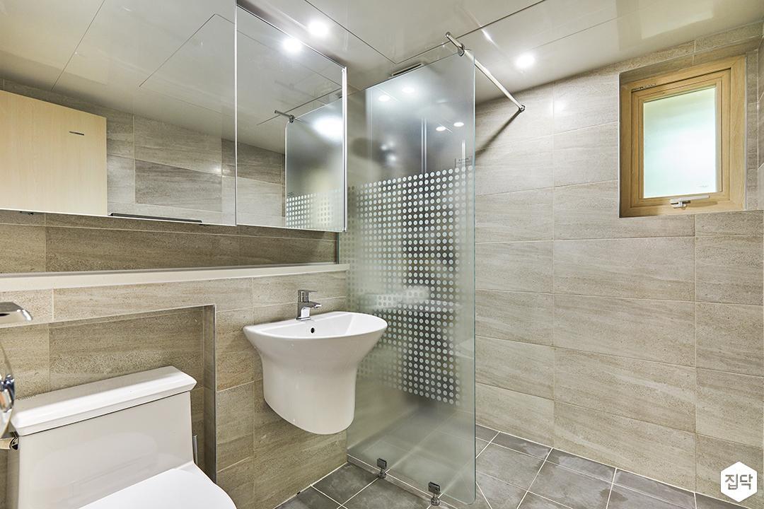 욕실,그레이,모던,젠다이,유리파티션,샤워부스,슬라이딩거울장,세면대