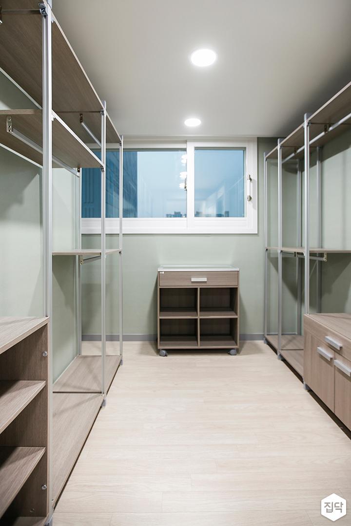 드레스룸,그린,심플,시스템선반,수납장