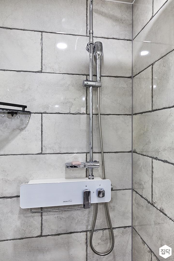 욕실,샤워부스,그레이,빈티지,해바라기샤워기