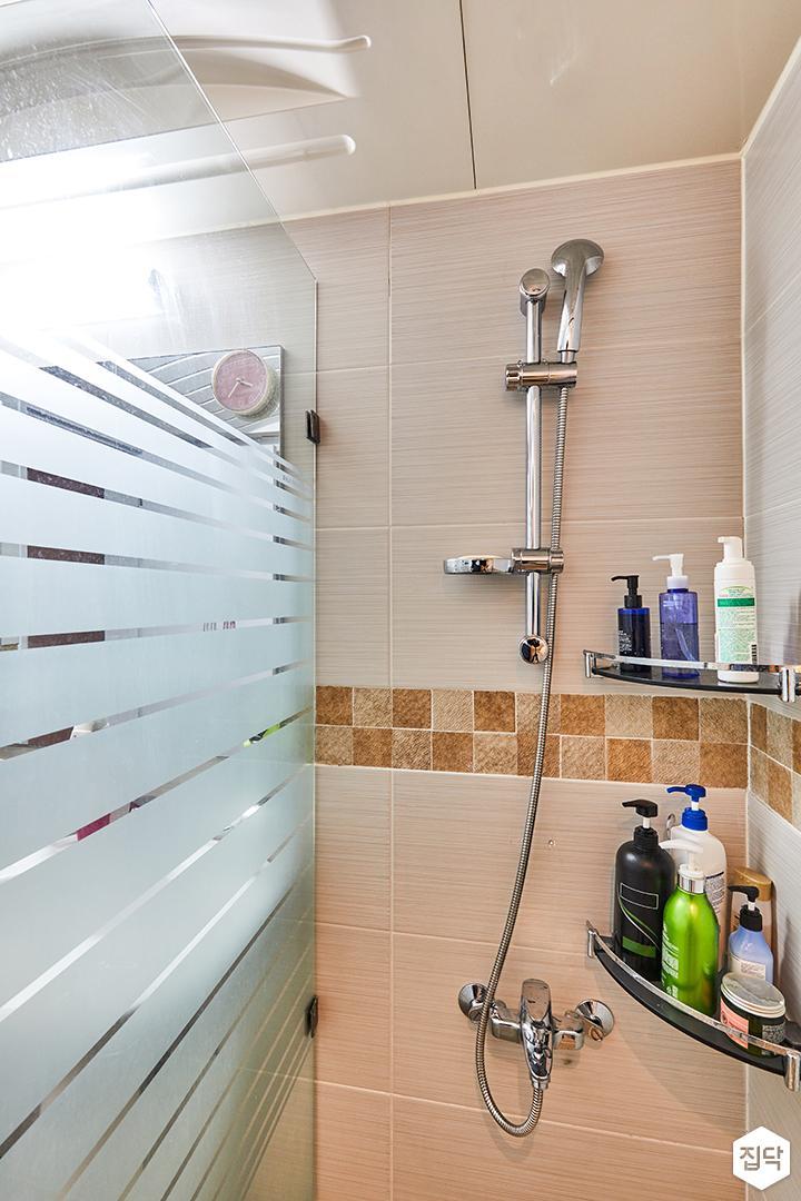 욕실,화이트,심플,코너선반,샤워기,샤워부스