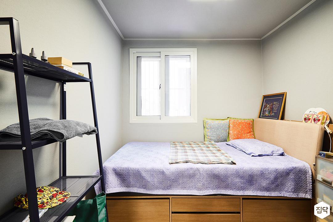 방,화이트,심플,화이트벽지,침대,선반