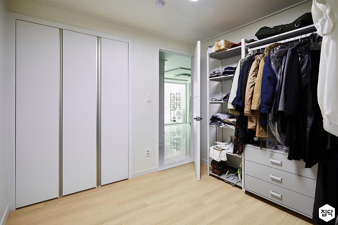 드레스룸,화이트,심플,모던,수납장,붙박이장,옷장,옷방