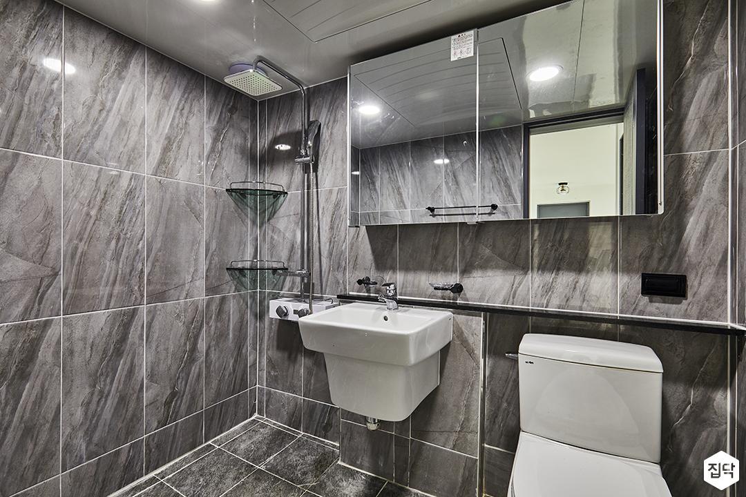 모던,심플,그레이,마블패턴,욕실,슬라이딩거울장,양변기,세면대,코너선반