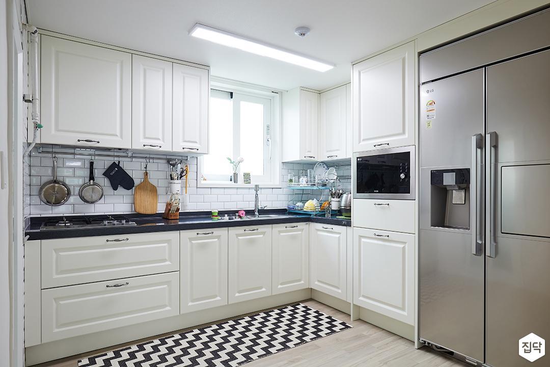 주방,화이트,심플,ㄱ자싱크대,키큰장,냉장고