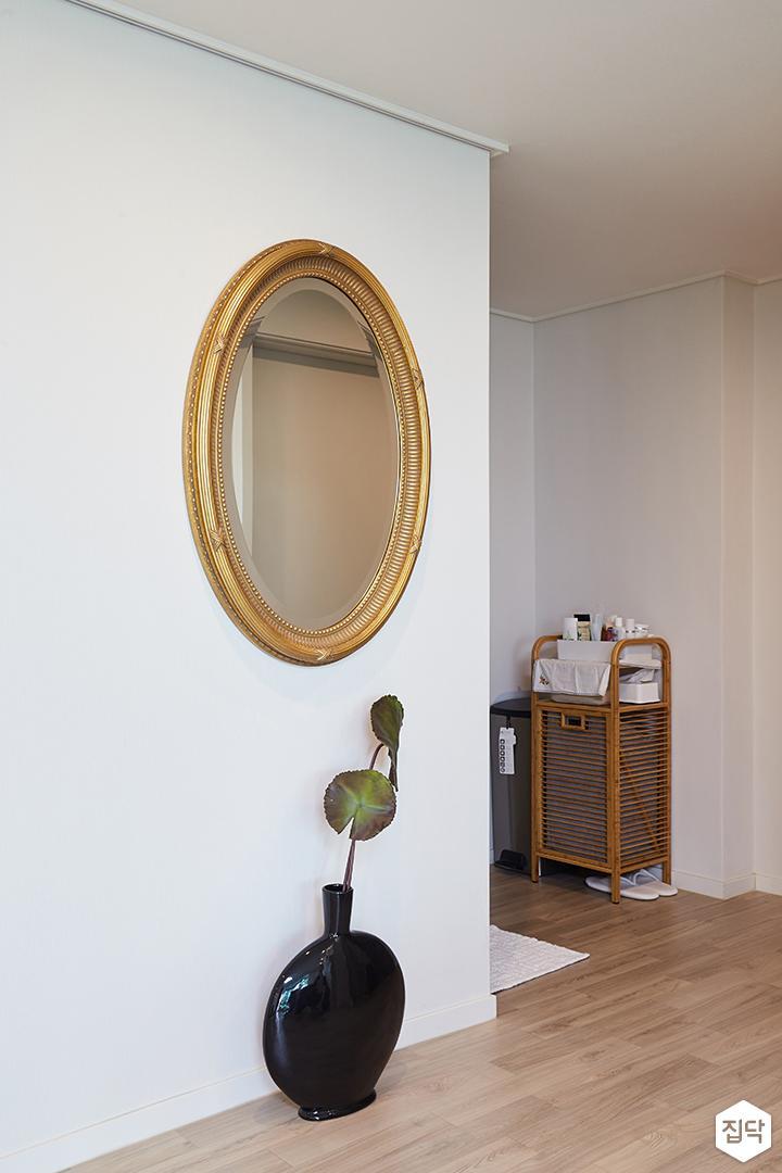 거실,화이트,심플,거울