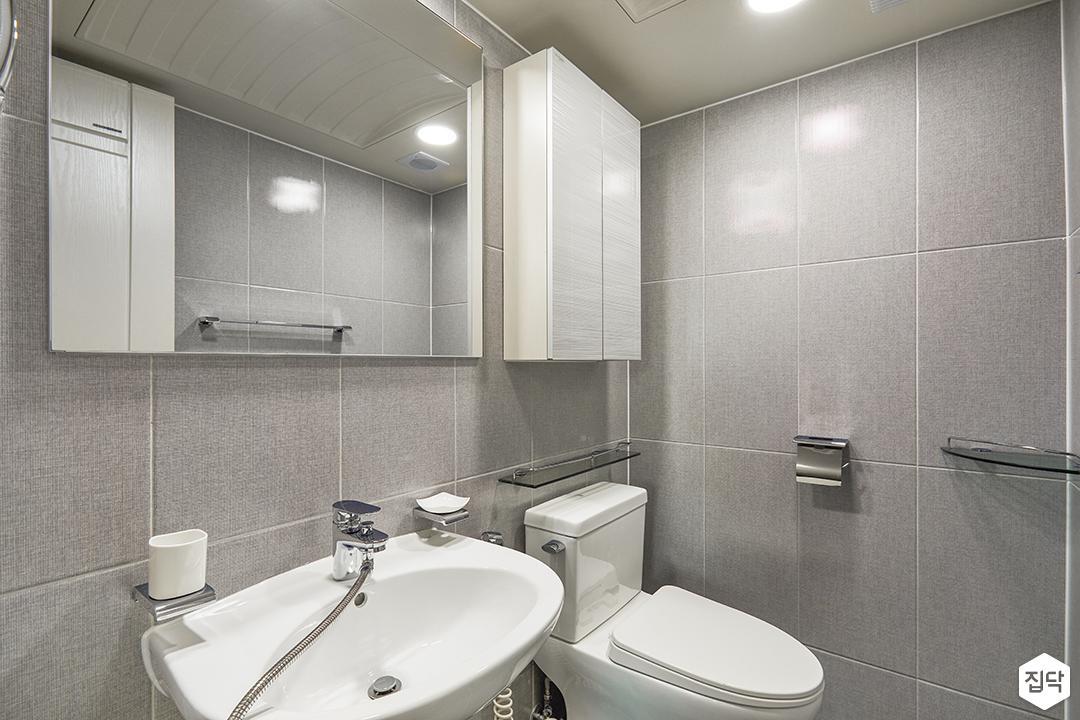 모던,심플,그레이,욕실,양변기,세면대,다운라이트조명,마블패턴