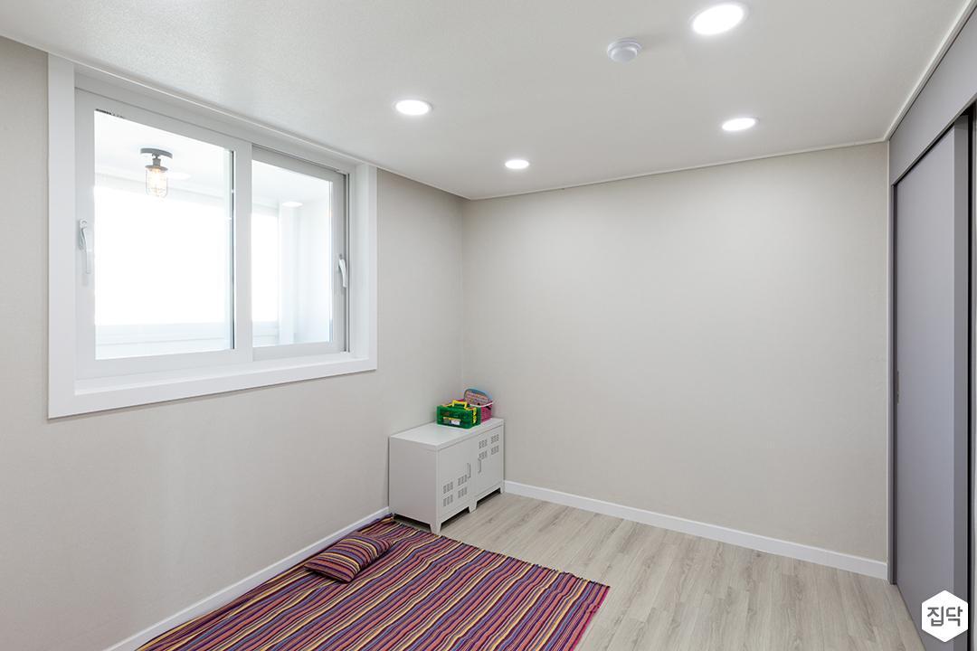 아이방,화이트,심플,헹거도어,그레이,LED조명