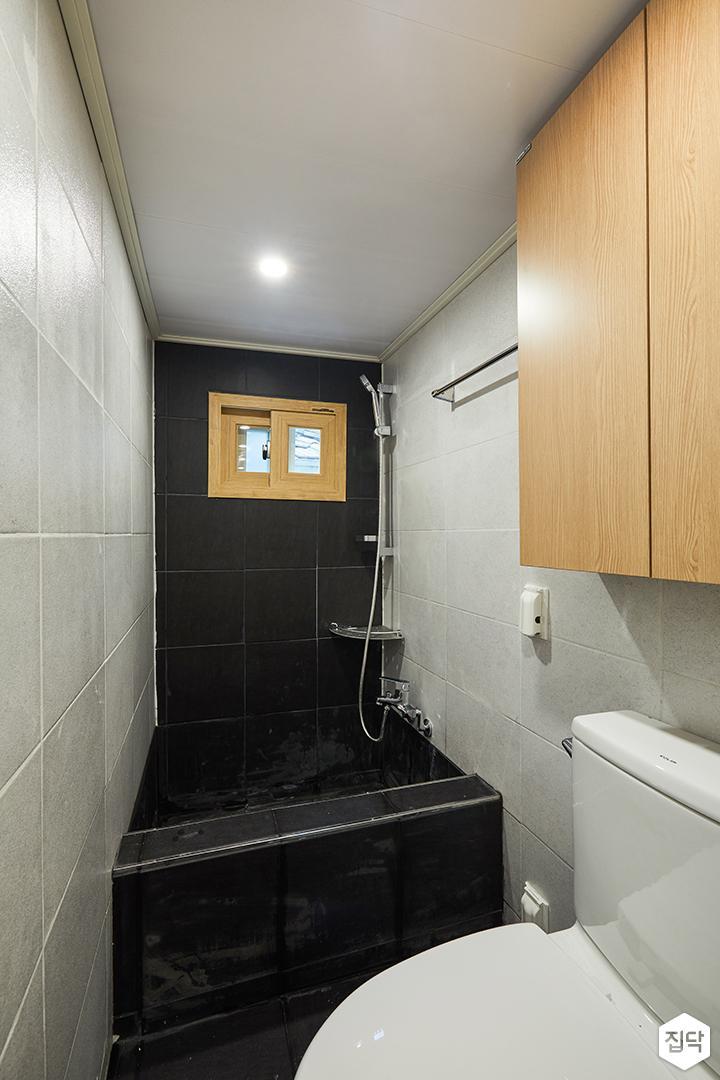 욕실,화이트,세면대,수납장,모던,블랙,반신욕조