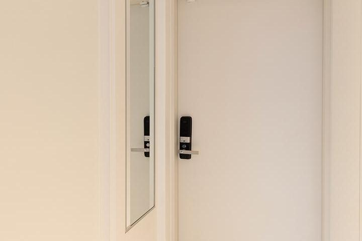 현관,화이트,심플,맞춤가구,붙박이장,방화문