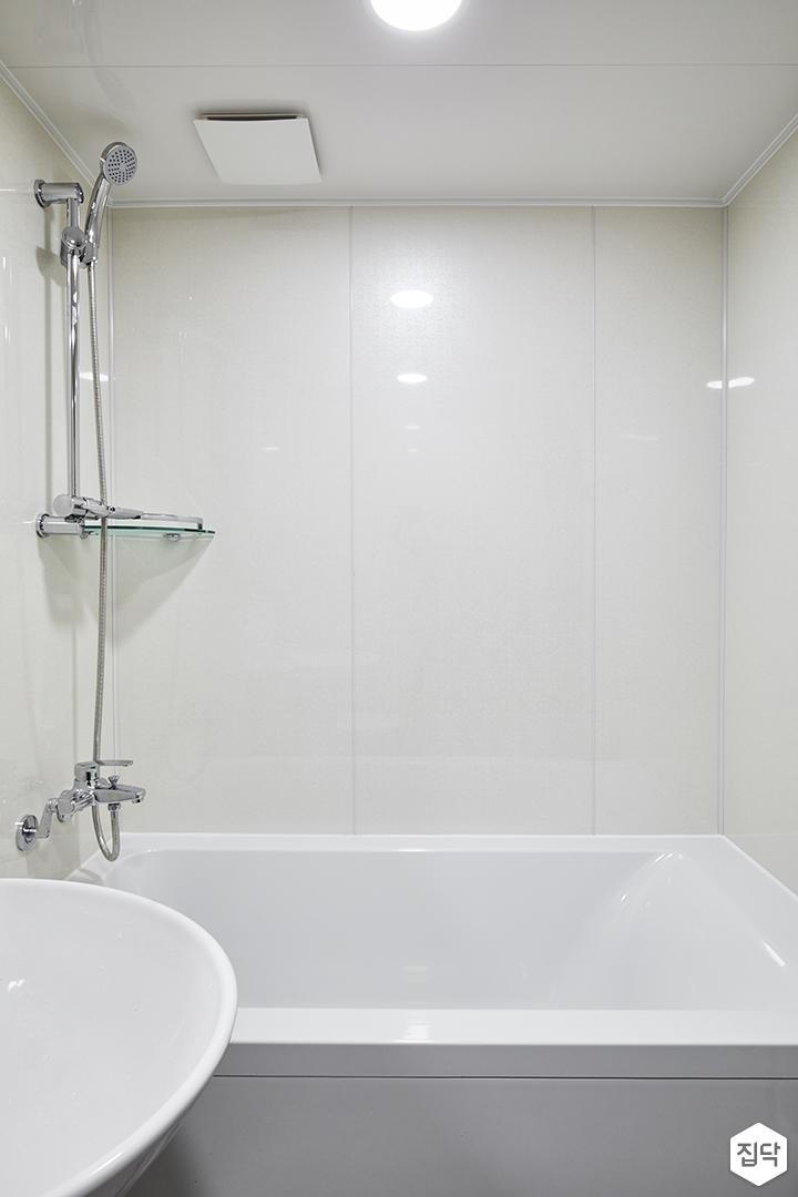 모던,심플,화이트,욕실,욕조,세면대,코너선반