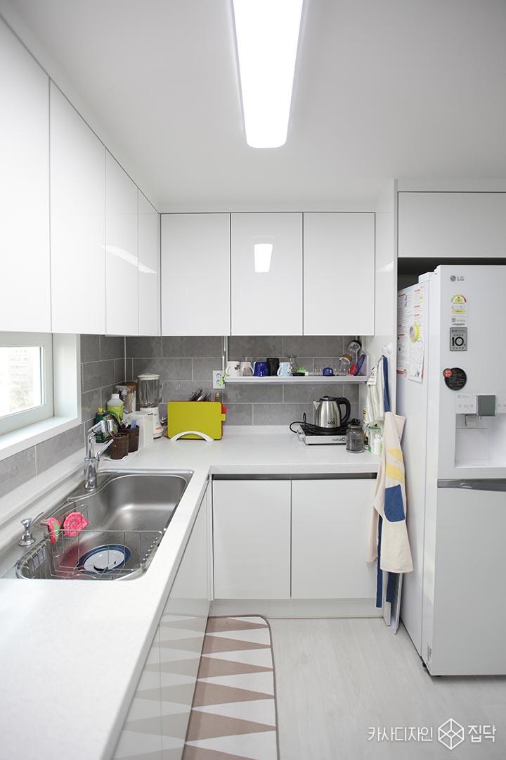 주방,싱크대,냉장고장,화이트
