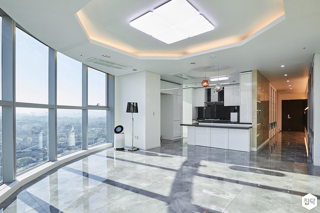 거실,화이트,모던,우물천장,LED조명,간접조명