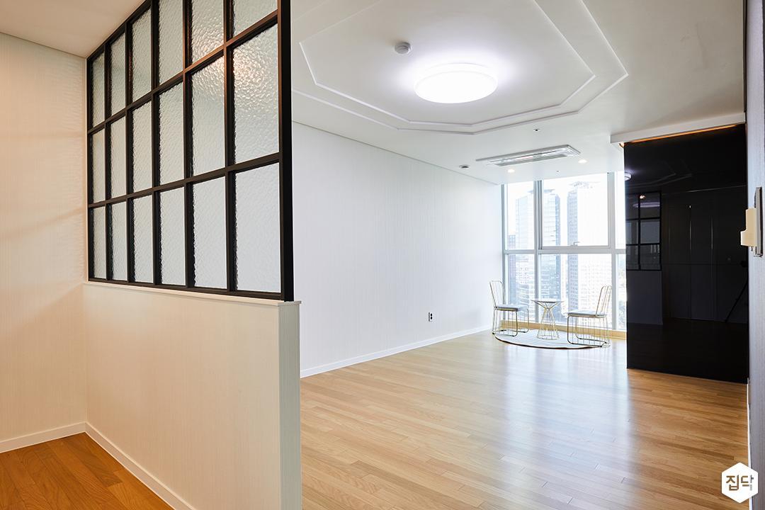 안방,화이트,모던,가벽,우물천장,LED조명,아트월
