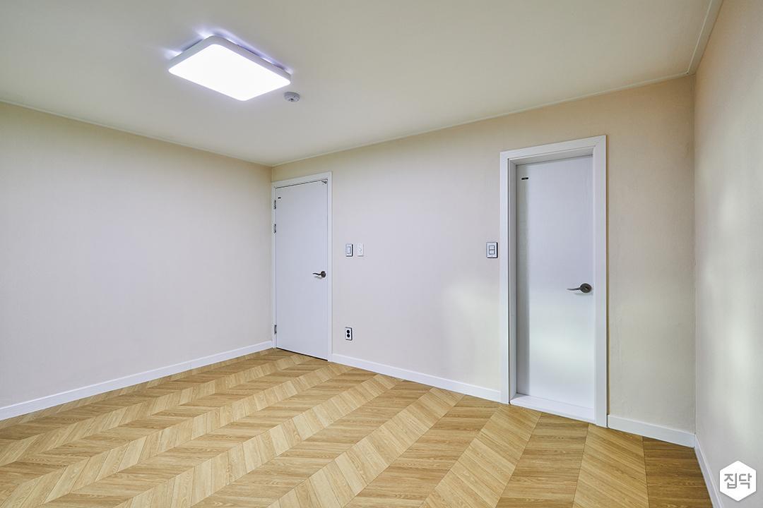 안방,화이트,심플,LED조명,헤링본패턴