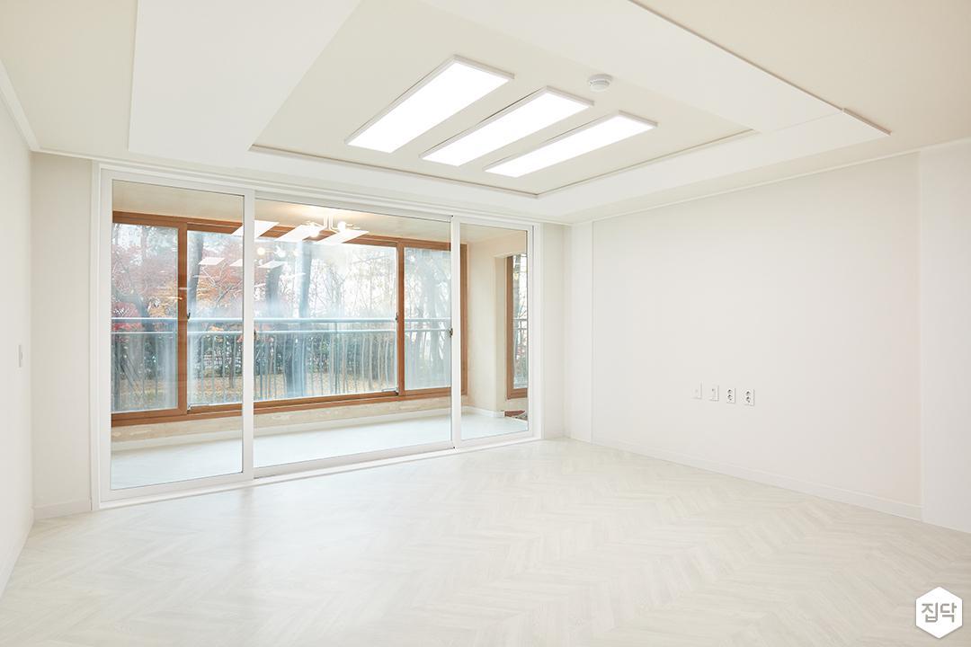 거실,화이트,심플,LED조명,슬림엣지조명