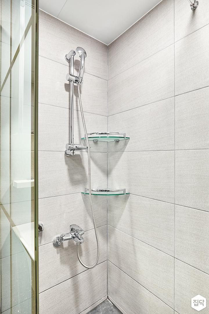 욕실,그레이,모던,철제파티션,샤워부스,코너선반