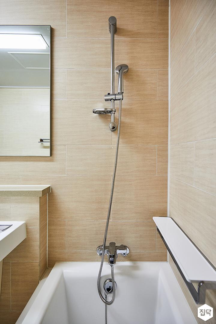 욕실,브라운,심플,거울,욕조,선반