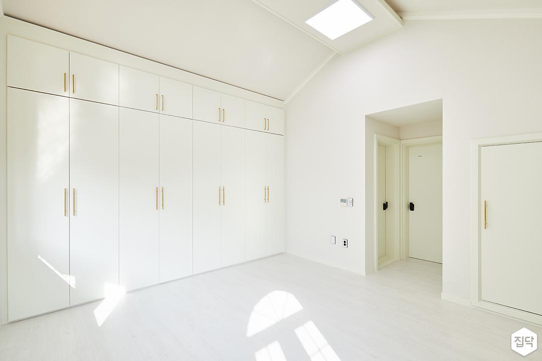 2층,화이트,심플,LED조명,슬림엣지조명,붙박이장