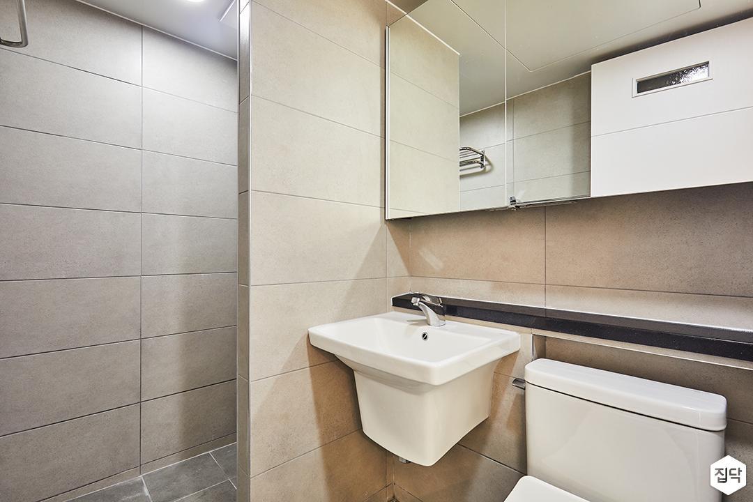 욕실,베이지,심플,슬라이딩거울장,젠다이,세면대,가벽