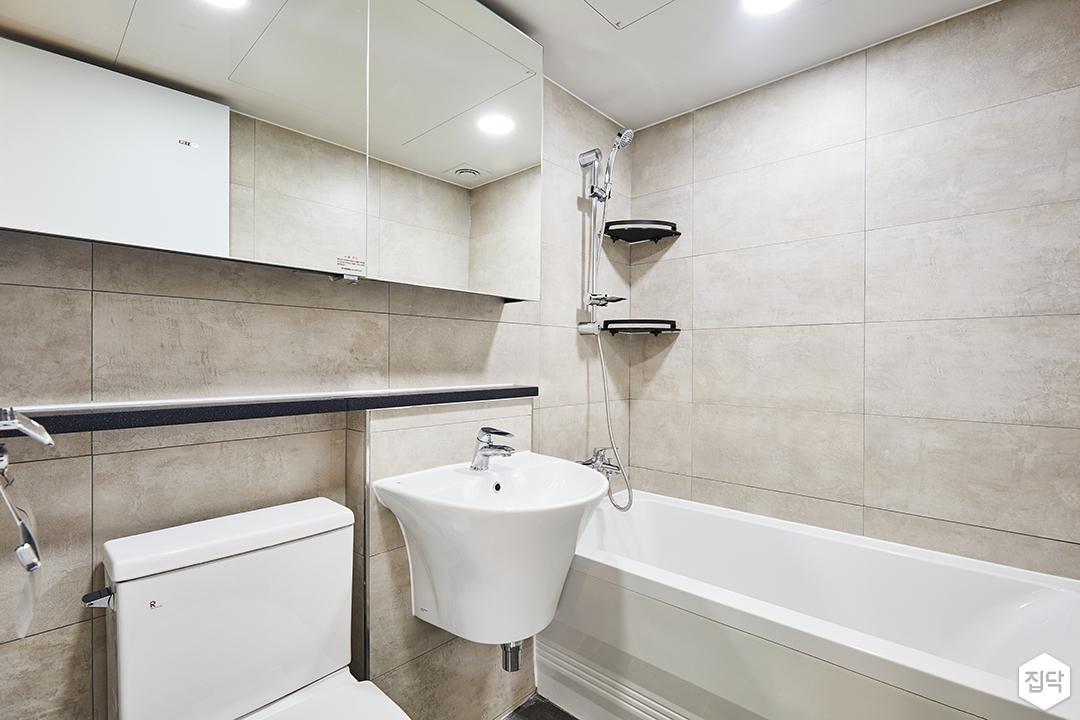 욕실,그레이,심플,다운라이트조명,슬라이딩거울장,젠다이,세면대,욕조,코너선반,양변기