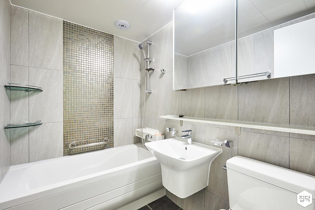 욕실,그레이,심플,슬라이딩거울장,젠다이,세면대,욕조,코너선반