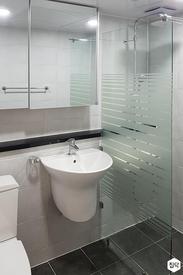 욕실,그레이,심플,슬라이딩거울장,젠다이,세면대,유리파티션,샤워부스