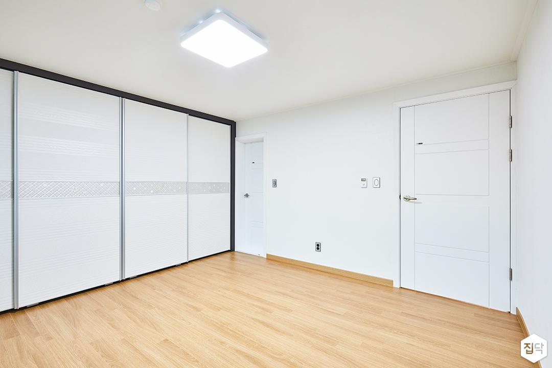 방,심플,화이트,붙박이장,LED조명