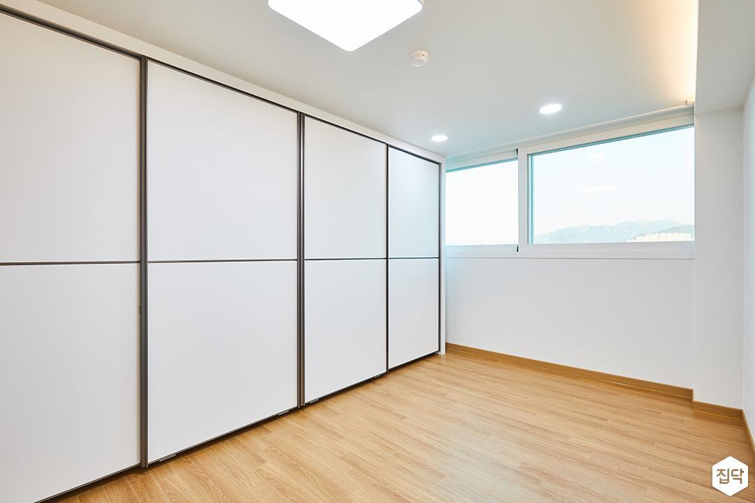 심플,화이트,방,LED조명,붙박이장